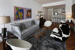 Rio006-2 bedroom apartment in Ipanema next to General Osorio square