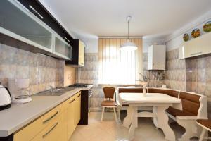 Nefertiti's Apartment, Apartments  Piatra Neamţ - big - 15