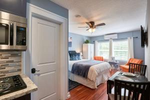 Yamhill Flats: Suite #2, Holiday homes  Newberg - big - 1