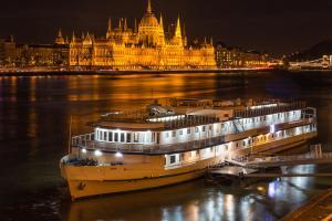 Grand Jules - Boat Hotel, Botely  Budapešť - big - 57