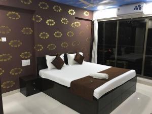Executive Highrise - 2 Bhk Services Apartment, Апартаменты  Мумбай - big - 9