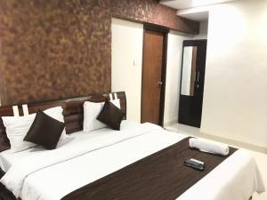 Executive Highrise - 2 Bhk Services Apartment, Апартаменты  Мумбай - big - 5