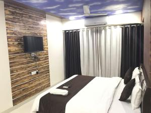 Executive Highrise - 2 Bhk Services Apartment, Апартаменты  Мумбай - big - 4