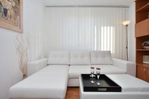 Nefertiti's Apartment, Apartments  Piatra Neamţ - big - 7