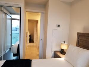 Premium Suites - Furnished Apartments Downtown Toronto, Apartmány  Toronto - big - 93