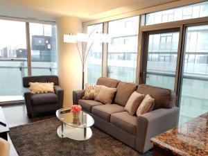 Premium Suites - Furnished Apartments Downtown Toronto, Apartmanok  Toronto - big - 68