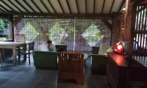 Mi Casa Ijen Guest House, Penzióny  Licin - big - 61