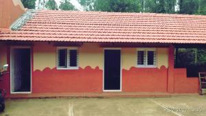 Namma Chikmagaluru NC-GSH, Проживание в семье  Attigundi - big - 4