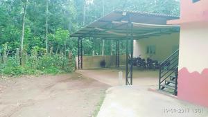 Namma Chikmagaluru NC-GSH, Проживание в семье  Attigundi - big - 60