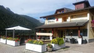 Hotel Veduta dell'Adamello