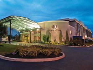 Nearby hotel : DoubleTree by Hilton Buffalo-Amherst