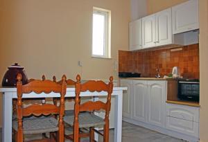 Castello Bianco Aparthotel, Apartmánové hotely  Platanes - big - 4