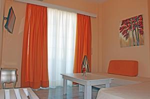 Castello Bianco Aparthotel, Apartmánové hotely  Platanes - big - 2