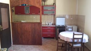 Apartment Dubrava, Ferienwohnungen  Tivat - big - 9