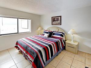 18450 Gulf Blvd Condo Unit 204 Condo, Апартаменты  Клеруотер-Бич - big - 24