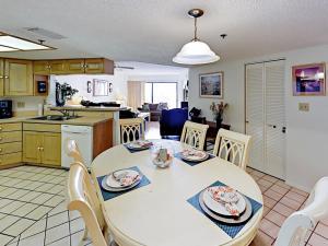 18450 Gulf Blvd Condo Unit 204 Condo, Апартаменты  Клеруотер-Бич - big - 18