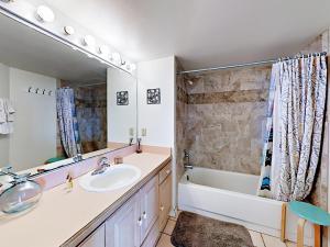 18450 Gulf Blvd Condo Unit 204 Condo, Апартаменты  Клеруотер-Бич - big - 16