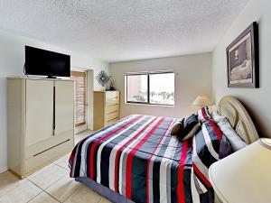 18450 Gulf Blvd Condo Unit 204 Condo, Апартаменты  Клеруотер-Бич - big - 11