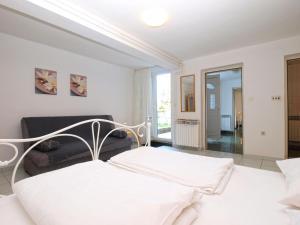 Apartments Zorka 1421, Apartments  Pješčana Uvala  - big - 7