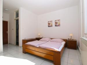 Apartments Zorka 1421, Apartments  Pješčana Uvala  - big - 3