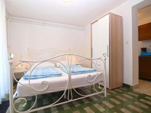 Apartments Zorka 1421, Apartments  Pješčana Uvala  - big - 49