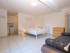 Apartments Zorka 1421, Apartments  Pješčana Uvala  - big - 48
