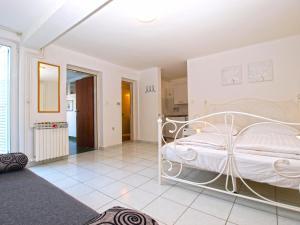 Apartments Zorka 1421, Apartmány  Pješčana Uvala  - big - 47