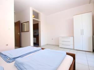 Apartments Zorka 1421, Apartmány  Pješčana Uvala  - big - 35