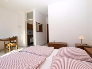 Apartments Zorka 1421, Apartments  Pješčana Uvala  - big - 21