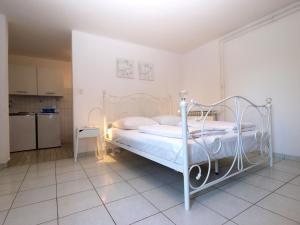 Apartments Zorka 1421, Apartments  Pješčana Uvala  - big - 22