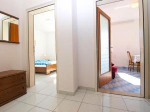 Apartments Zorka 1421, Apartments  Pješčana Uvala  - big - 24