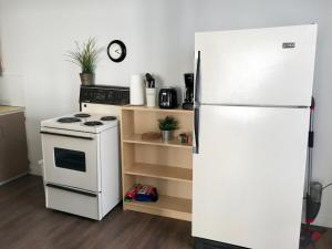 Santa Monica Apartment, Apartmány  North Vancouver - big - 15