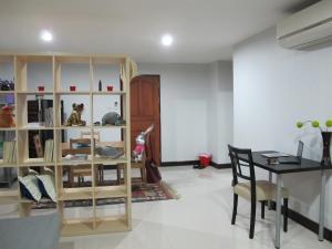 Nice Simple Place, Apartmány  Bangkok - big - 10