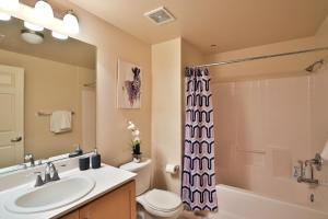 LA Glamour Suite in Prime Location, Ferienwohnungen  Los Angeles - big - 16