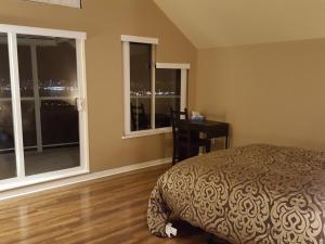 Emperial Suites, Отели типа «постель и завтрак»  Северный Ванкувер - big - 23