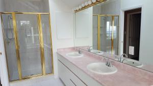 Emperial Suites, Отели типа «постель и завтрак»  Северный Ванкувер - big - 21
