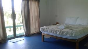 P.T lanta guest house
