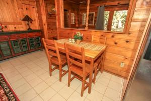 1706 - Robin Retreat Cottage, Case vacanze  Big Bear Lake - big - 18