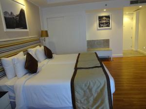 Amanora The Fern Hotels & Club, Hotel  Pune - big - 6