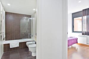 Habitat Apartments Guitart, Appartamenti  Barcellona - big - 16