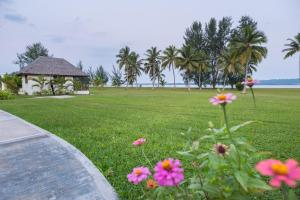 A Picture of Beachfront Resort