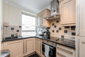 Brownhill Property, Apartmanok  London - big - 17
