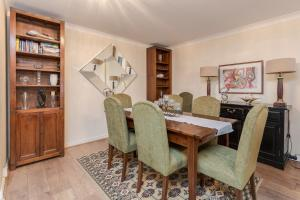 Brownhill Property, Apartmanok  London - big - 14