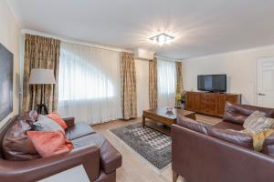 Brownhill Property, Apartmanok  London - big - 12