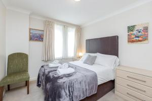 Brownhill Property, Apartmanok  London - big - 51