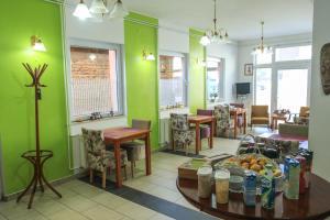 Pansion Centar, Bed & Breakfasts  Tuzla - big - 31