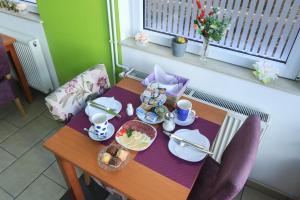 Pansion Centar, Bed & Breakfasts  Tuzla - big - 34