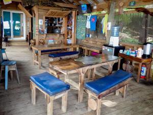 Blue Island Divers Casa Descanso
