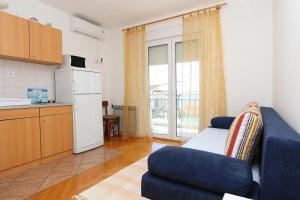 Apartment Zivogosce - Porat 10032a