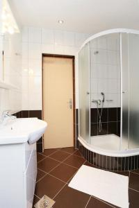 Apartment Zivogosce - Porat 10032d